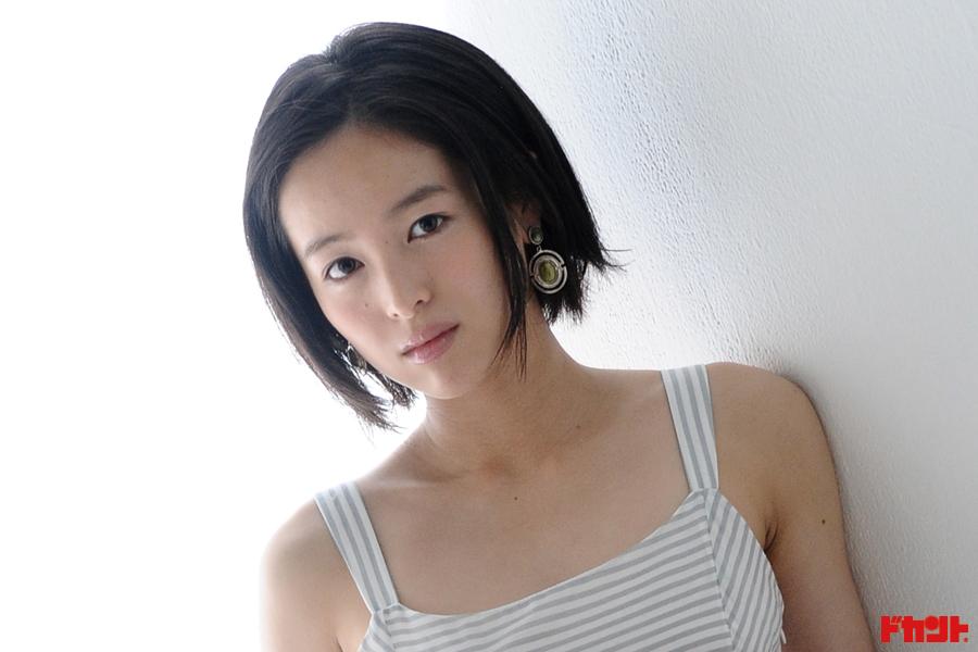 清野菜名 園子温監督とタッグを組む新進アクション系女優が描く先は…