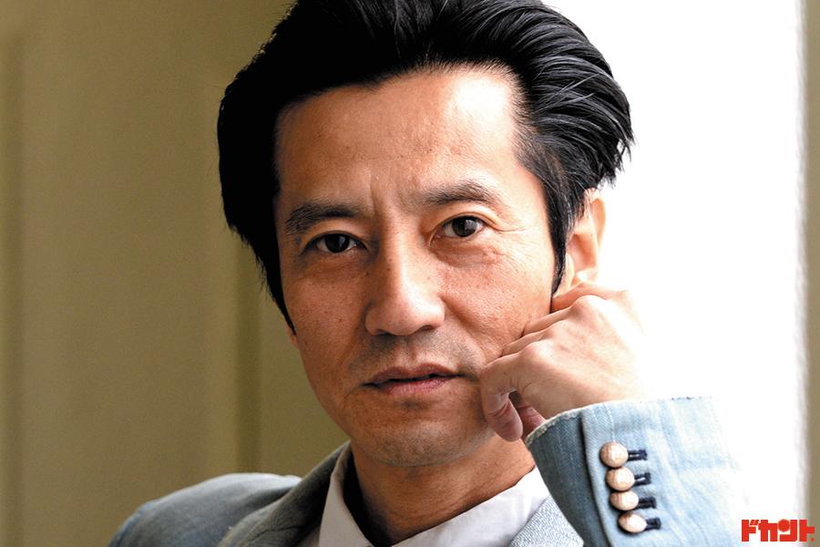 津田寛治 映画・ドラマに欠かせない名バイプレイヤーが若手女優とダブル主演作の舞台裏を…