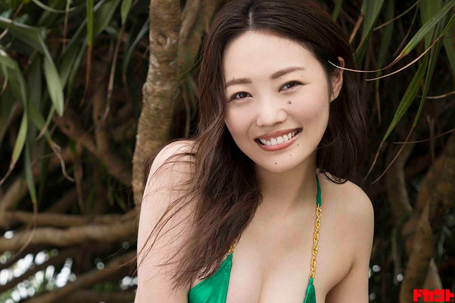 万理華 ドキドキと癒しをお届けの新作は彼女と恋に落ちること必至!!